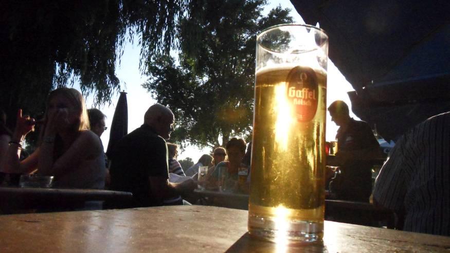 Veedelstreff im Biergarten vom Restaurant Pöttgen
